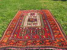 Signed Turkish prayer rug - bosphorusrugs  - 4
