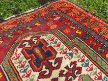 Signed Turkish prayer rug - bosphorusrugs  - 5