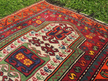 Signed Turkish prayer rug - bosphorusrugs  - 6