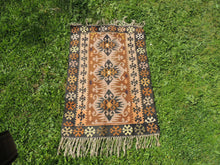 "Tribal Turkish ""Sivas"" kilim rug - bosphorusrugs  - 3"