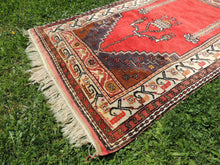 Antique Anatolian prayer rug - bosphorusrugs  - 4