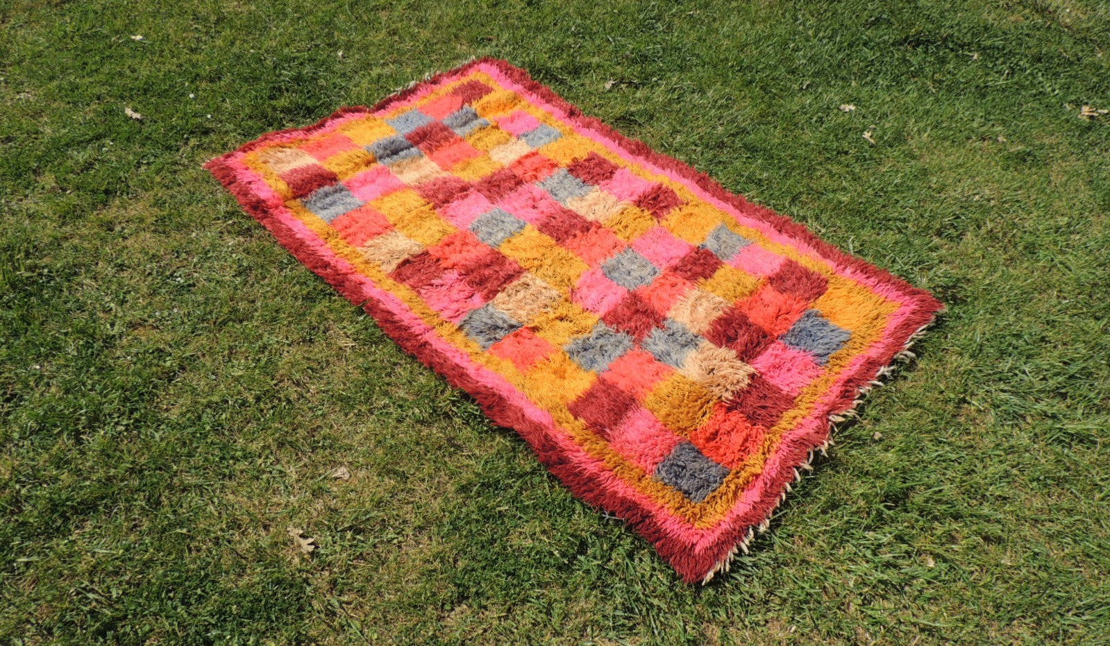Pink Turkish kilim rug