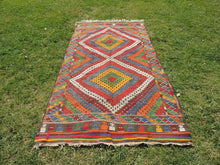 "Vintage Turkish kilim rug ""Rainbow"" - bosphorusrugs  - 2"