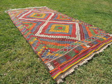 "Vintage Turkish kilim rug ""Rainbow"" - bosphorusrugs  - 4"