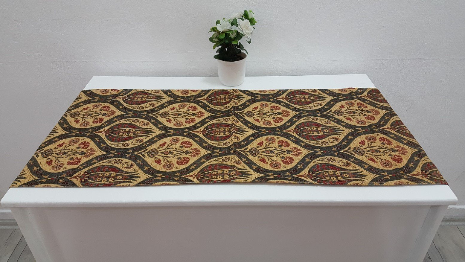 Decorative Tapestry Runner Tulip Motifs