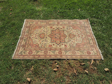 4x6 ft. Kayseri Carpet with Elegant Design and Very Fine Quality