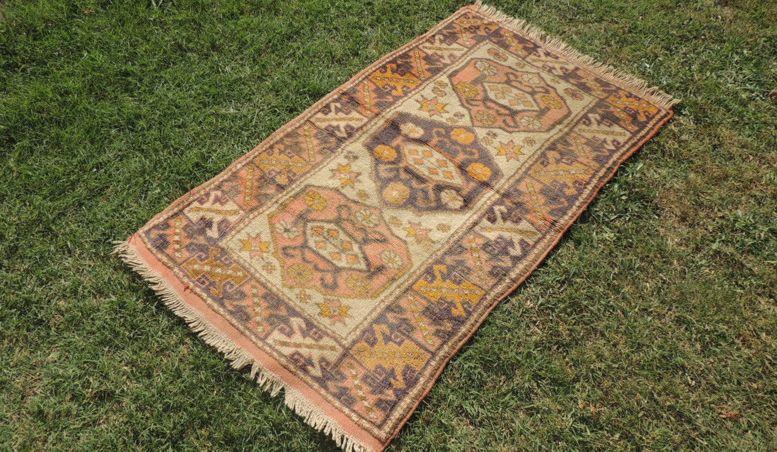 3x5 ft. Decorative Turkish Floor Rug