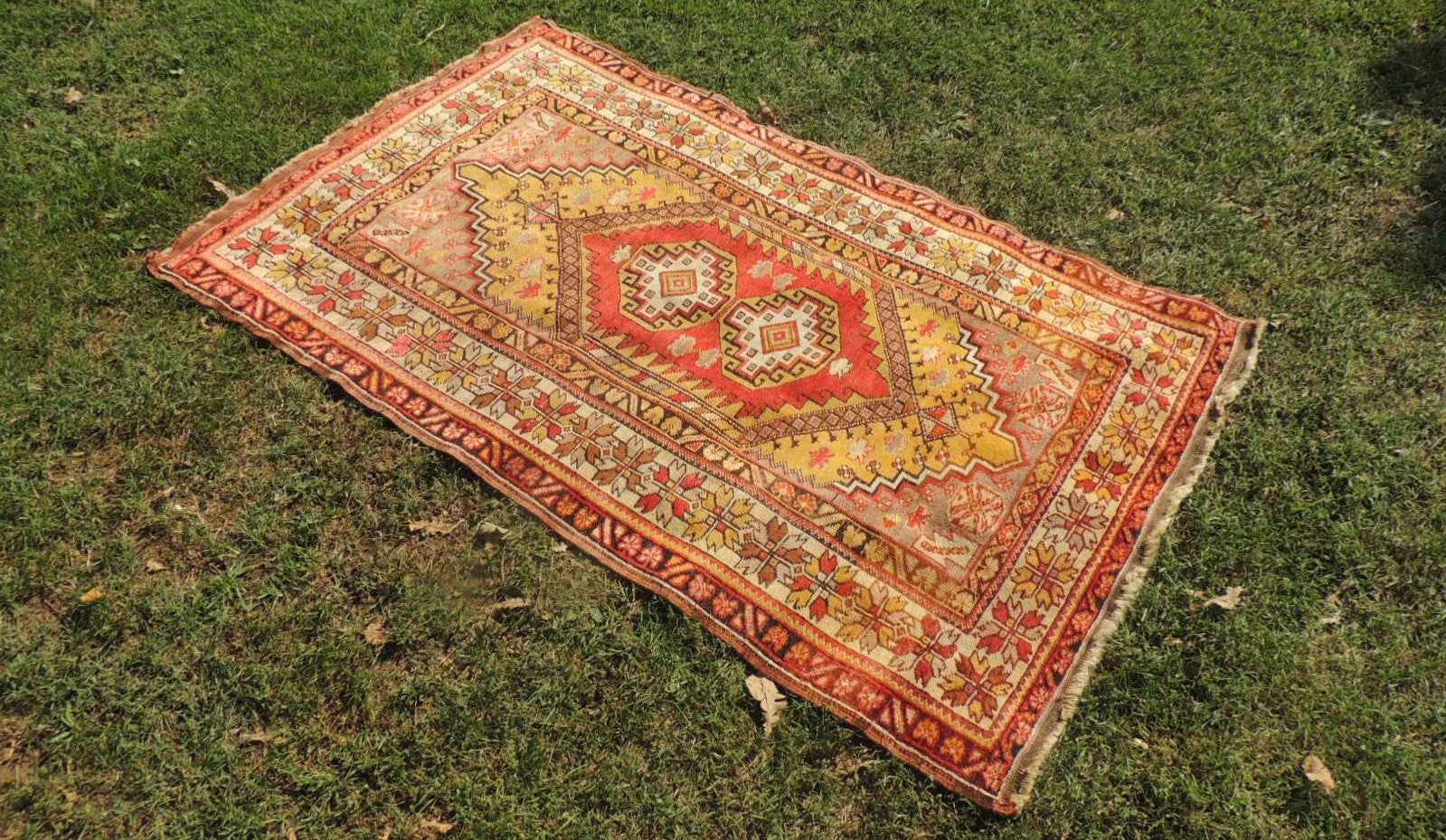 Very Fine Quality Turkish Area Rug with Characteristic Deign