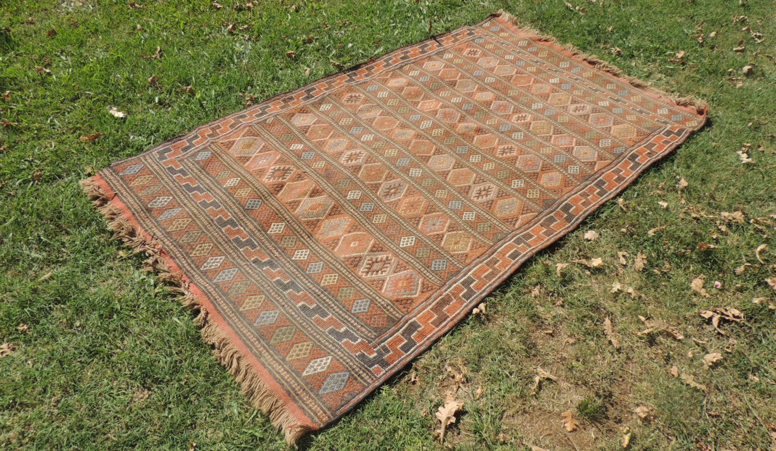 Bohemian Kilim Rug with Earthy Colors