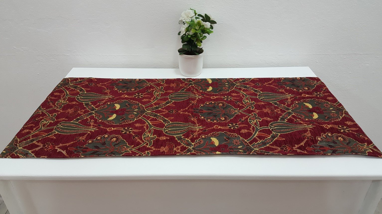 Runner with Red Colour Ottoman Tulip Morifs