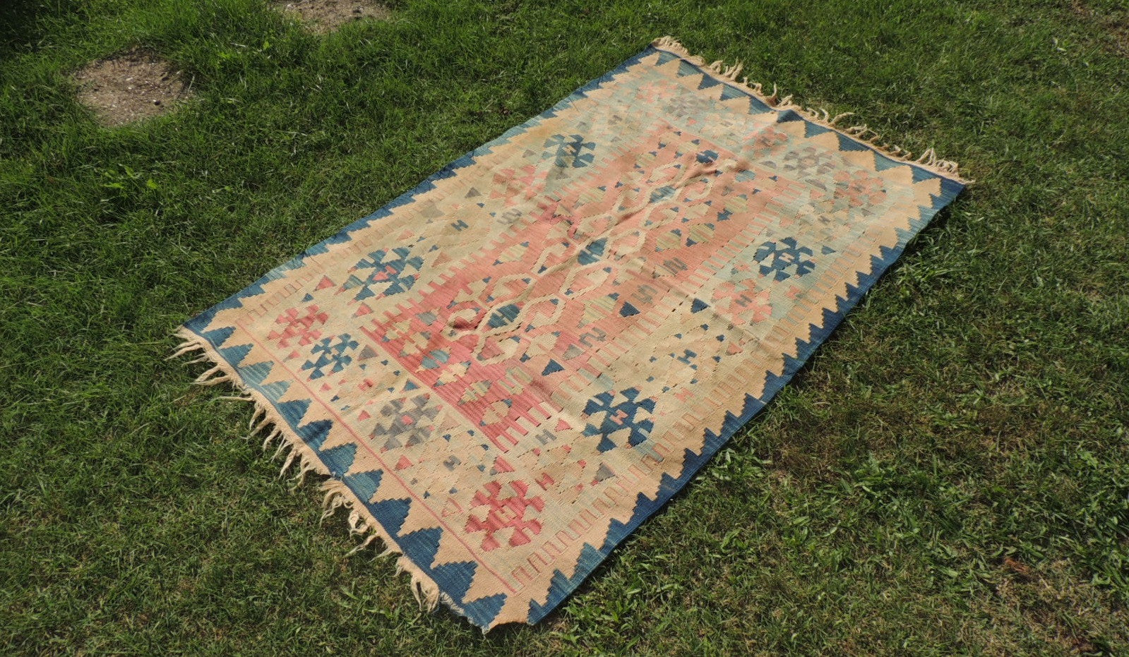 Tribal Turkish kilim rug