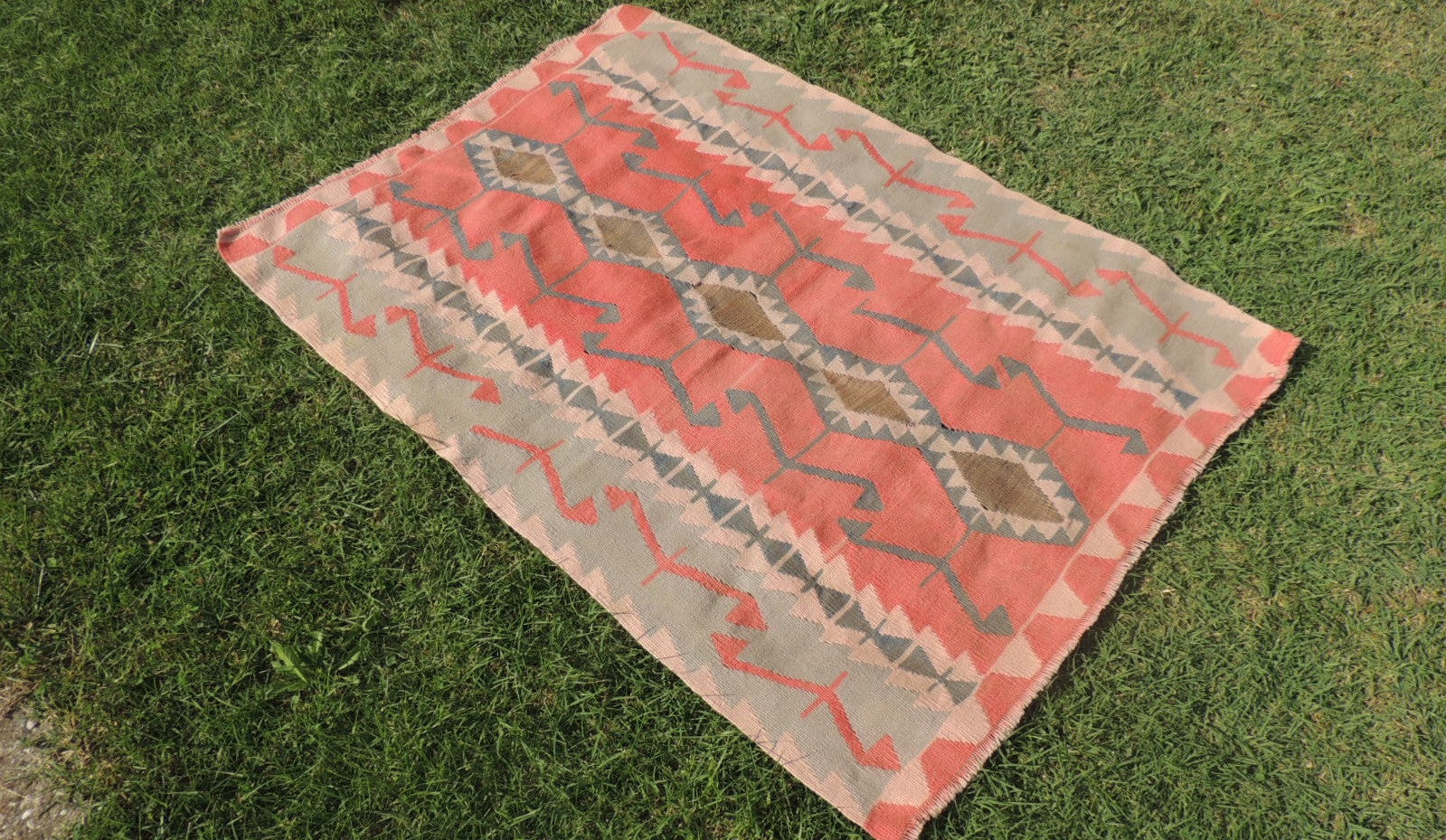 Pinky Turkish Floor rug Handwoven Kilim - bosphorusrugs  - 1