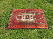 Signed Turkish prayer rug - bosphorusrugs  - 8