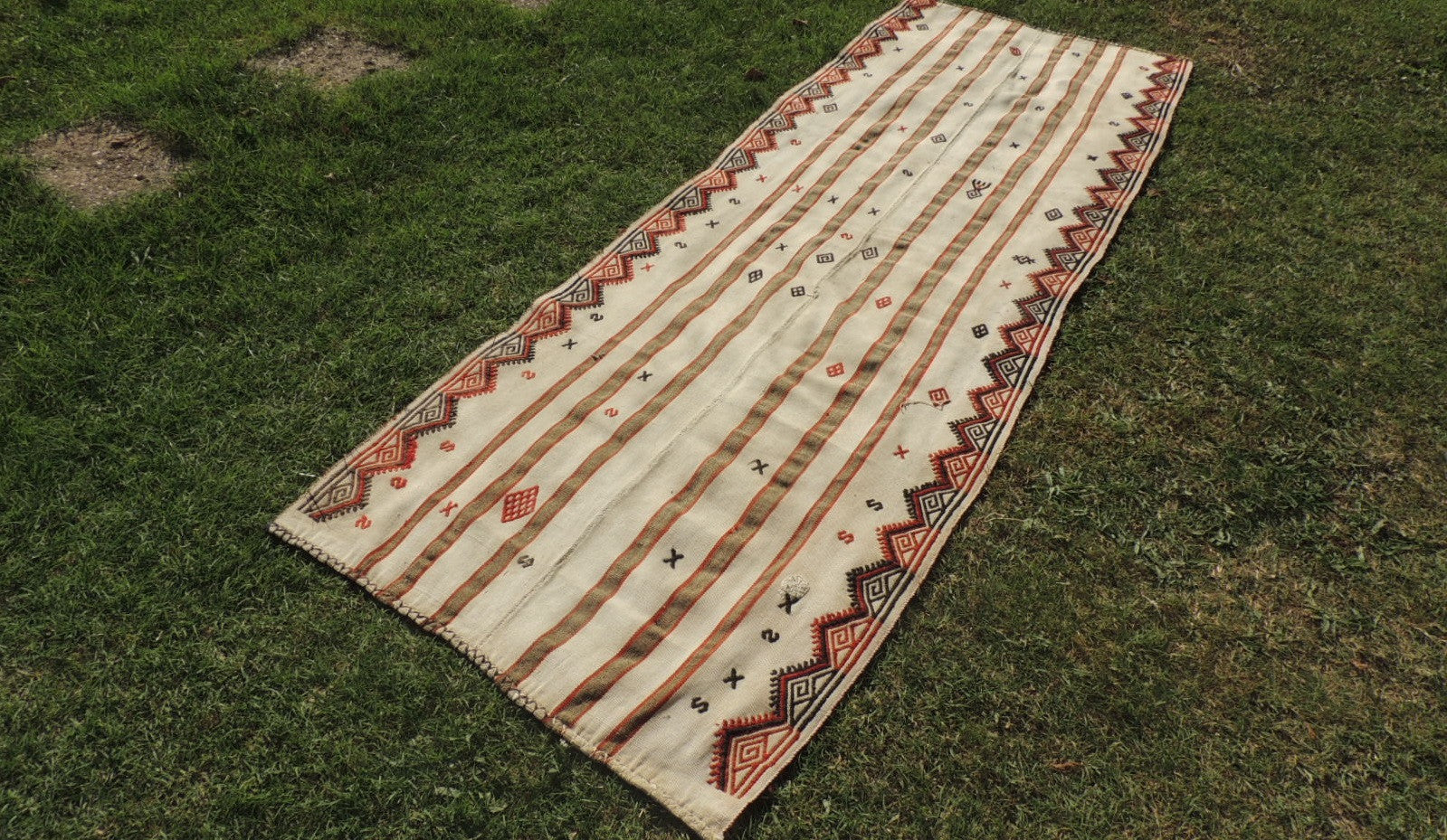 White Bohemian Kilim Rug with Tribal Motifs - bosphorusrugs  - 1
