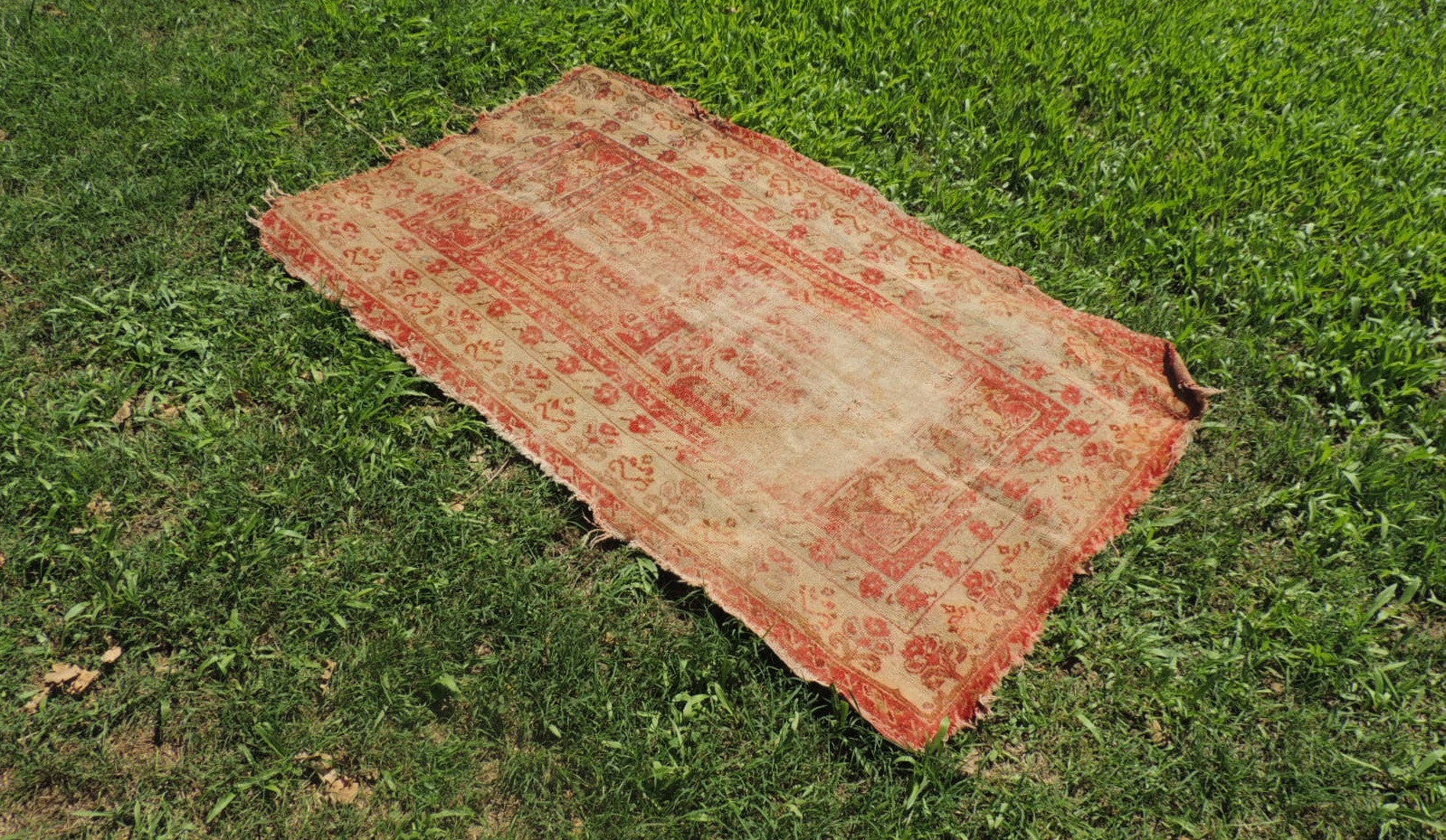 Worn Turkish area rug - bosphorusrugs  - 1