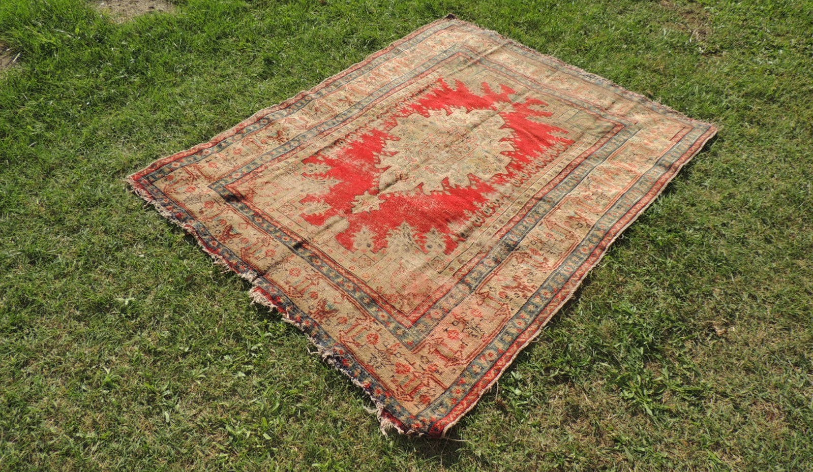 Worn Turkish Area Rug with Medallion Center - bosphorusrugs  - 1