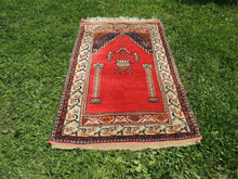 Antique Anatolian prayer rug - bosphorusrugs  - 2