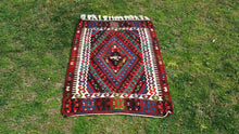 2,6'x3,6' ft. Tribal Turkish Kilim Rug JiJim