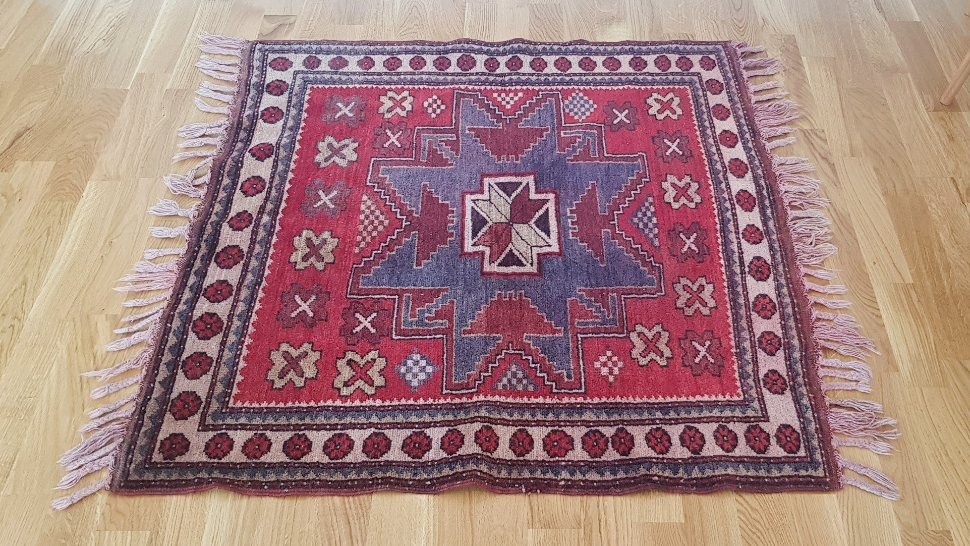 Square Tribal Rug 3,1