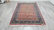 Pink and Blue Fine Quality Persian Rug 4,7x6,8 ft.
