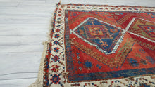 Antique Persian Area Rug 4,2x5,7 ft.