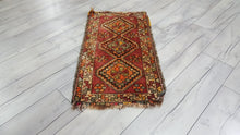 1,4x2,7 ft. Semi Antique Rug