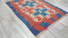 Red and Blue Kilim 2,9x3,6 ft.