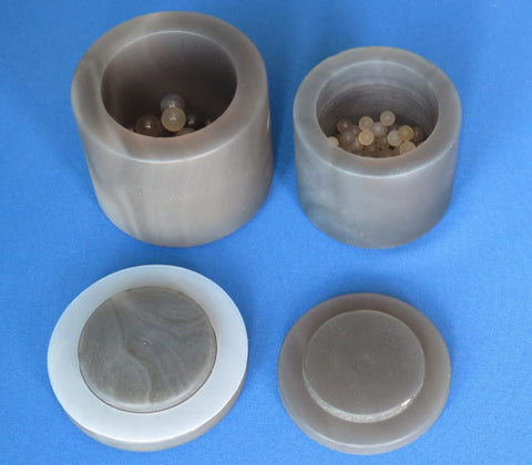 A set of 4X500ml Grinding Jars and Balls combo