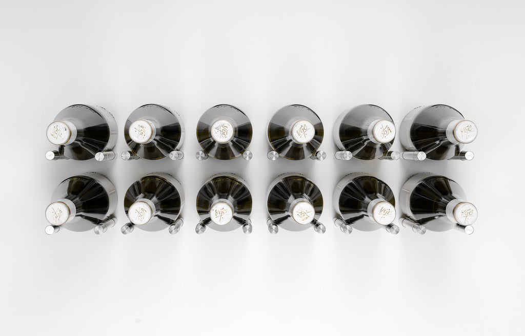 Wine Pegs XY series. Front view of our sophisticated silver pegs.