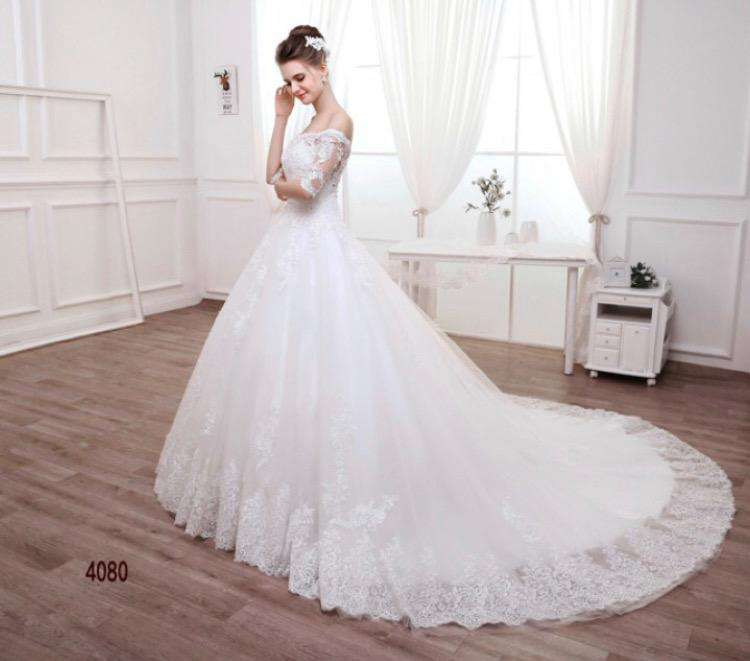 Wholesale Long Trail Off-Shoulder With Sleeves Wedding Dress Plus Sizes Available UK