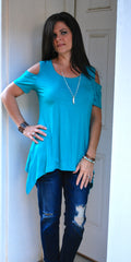 COLD SHOULDER PIKO TOP