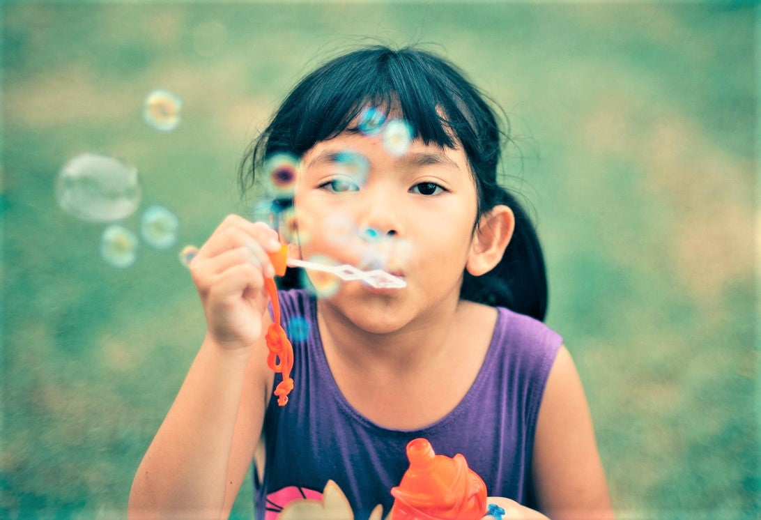 bubble girl | Yellow Scope