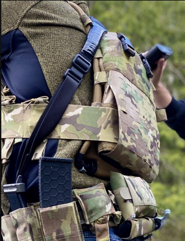 IcePlate Curve low profile plate carrier hydration, cooling and heating for military and law enforcement body armor Photo credit: @kirkman333