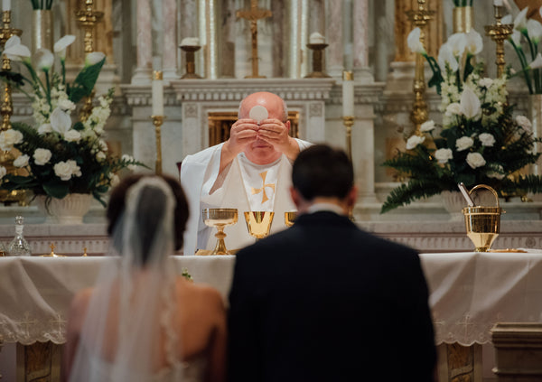 stylish mantilla veil for cathedral wedding