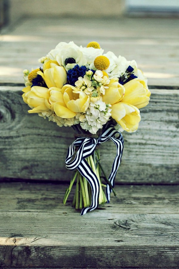yellow tulip bouquet for spring wedding