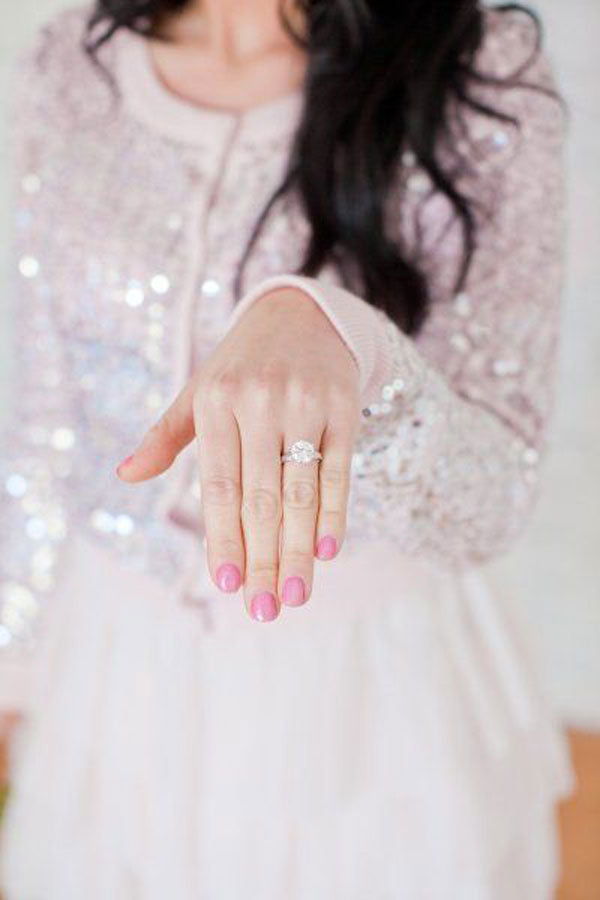 stylish-engagement-ring-photos-with-camera-phone