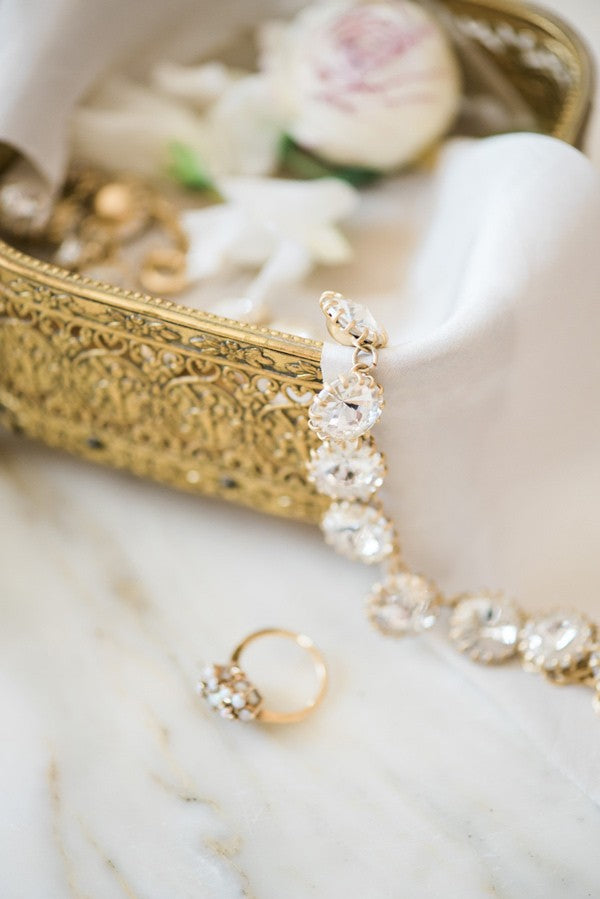 boudior bridal photo shoot with jewelry
