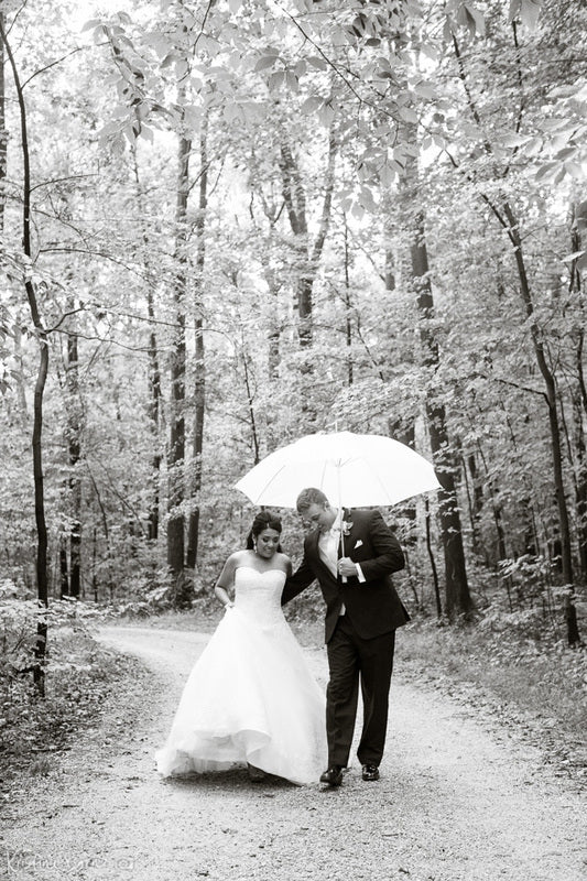 bride and groom in cleveland metro parks