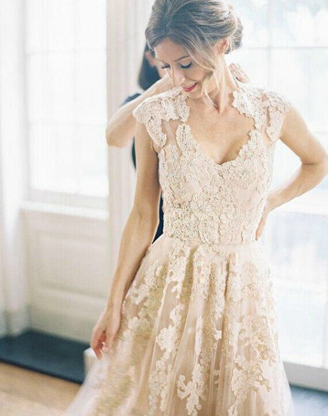 ivory lace wedding dress
