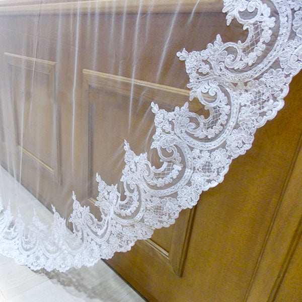 Florencia Lace Cathedral Veil