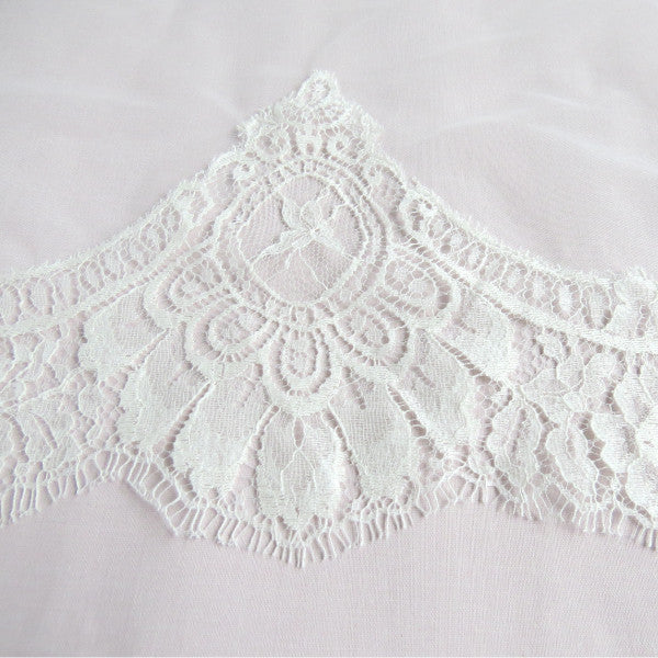 ivory cathedral mantilla veil lace detail