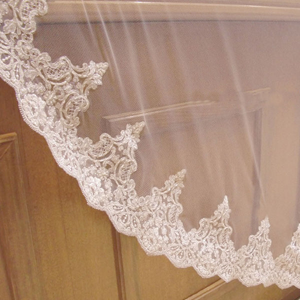Josefina Lace Cathedral Veil
