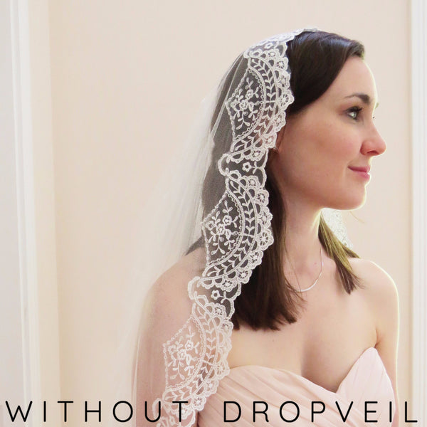 Mantilla bridal veil in ivory with floral tulle