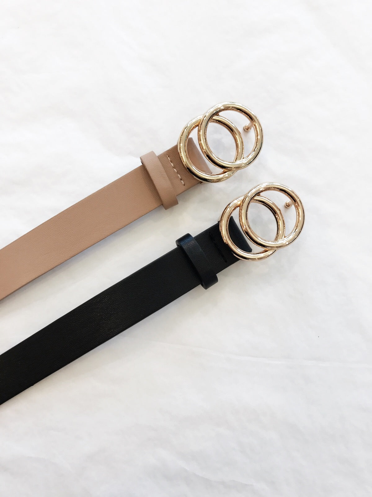 Discover our range of belts this season. Whether it's a low key style or a stylish going out piece, boohoo has you covered with our womens belts today. Black Waist Belt With Gold Chain Detail £ Skinny Metal Waist Belt £ Chain Waist Belt £ Metal Waist Belt £ Large Buckle PU and Elastic Western Belt £ Plus.