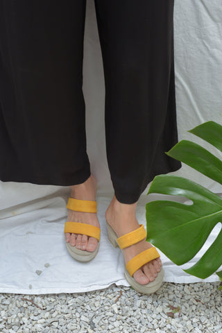 Atelier Sabot Romy Band Clog - Zinnia Yellow Suede