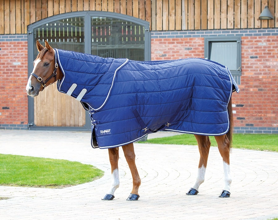 9362 shires tempest 200g stable rug and neck set navy
