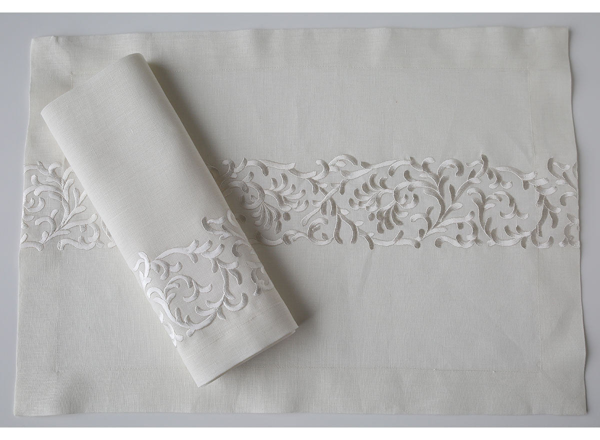 Renaissance Place Mat and Napkin