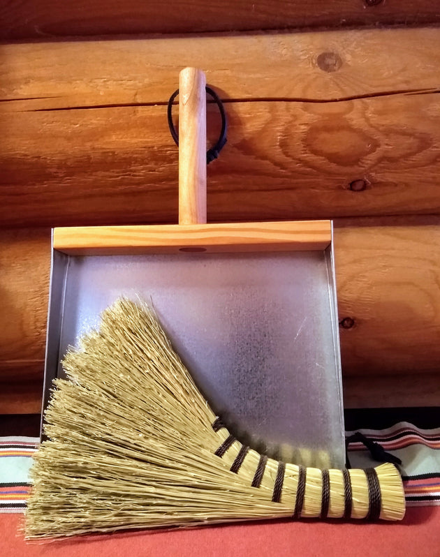 Mini Turkey Wing Cleanup Kit - Old Fashioned Whisk and Dustpan - American Broom Shop