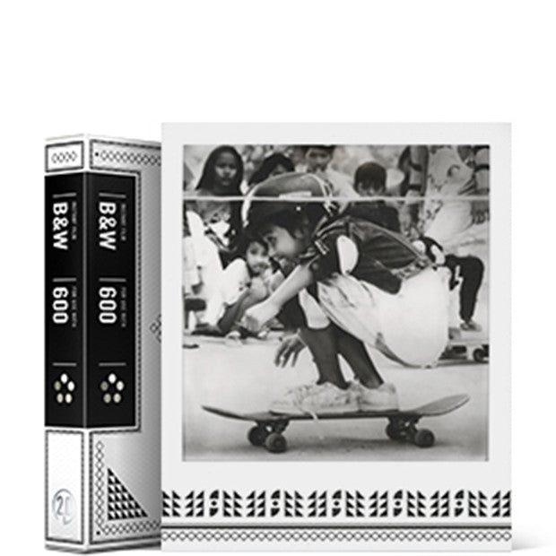 Instant B+W film for Polaroid 600, Skateistan Edition 2.0, Single Pack