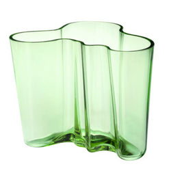 Aalto Vase 6.25 in, Apple Green